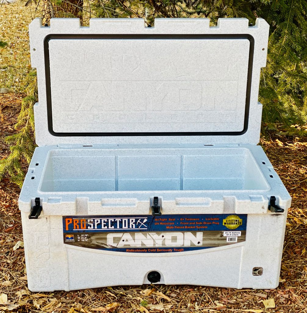 Canyon Cooler Prospector 103 open lid