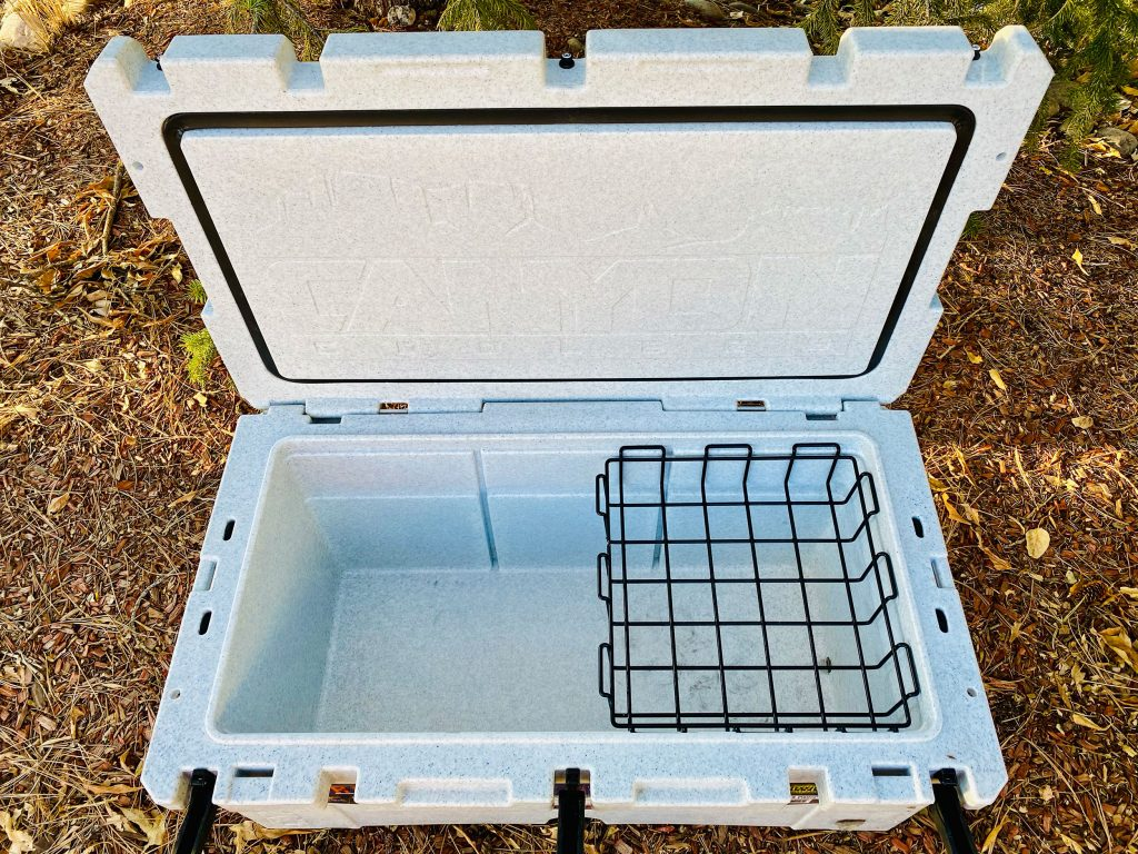 Canyon Cooler Prospector 103 - tray view