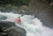 whitewater kayaker kayaking Rio Patria