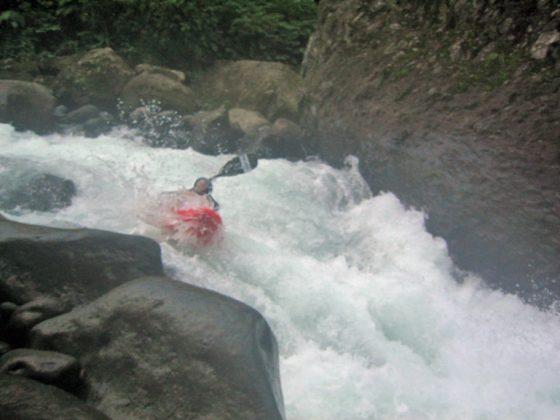 whitewater kayaker kayaking Rio Patria